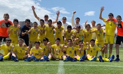U-15 Қазақстан жастар құрамасы УЕФА кубогын ұтып алды - на sport.bugin.kz