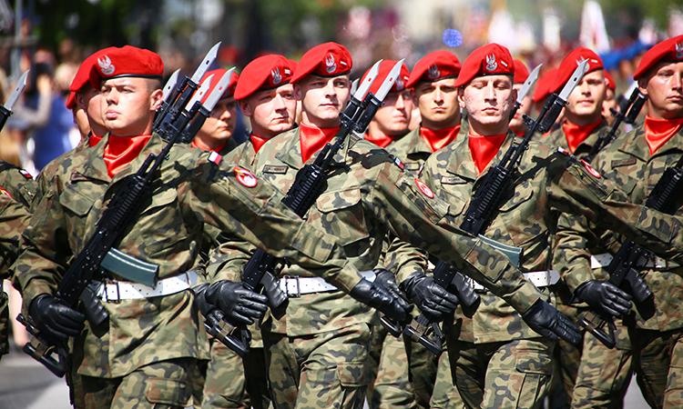 Польша әскерін екі есеге ұлғайтуы мүмкін - на politic.bugin.kz