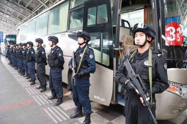 Моңғолиядан депортацияланған 800 қытай: Бейжің оларды қалай қарсы алды? - на politic.bugin.kz