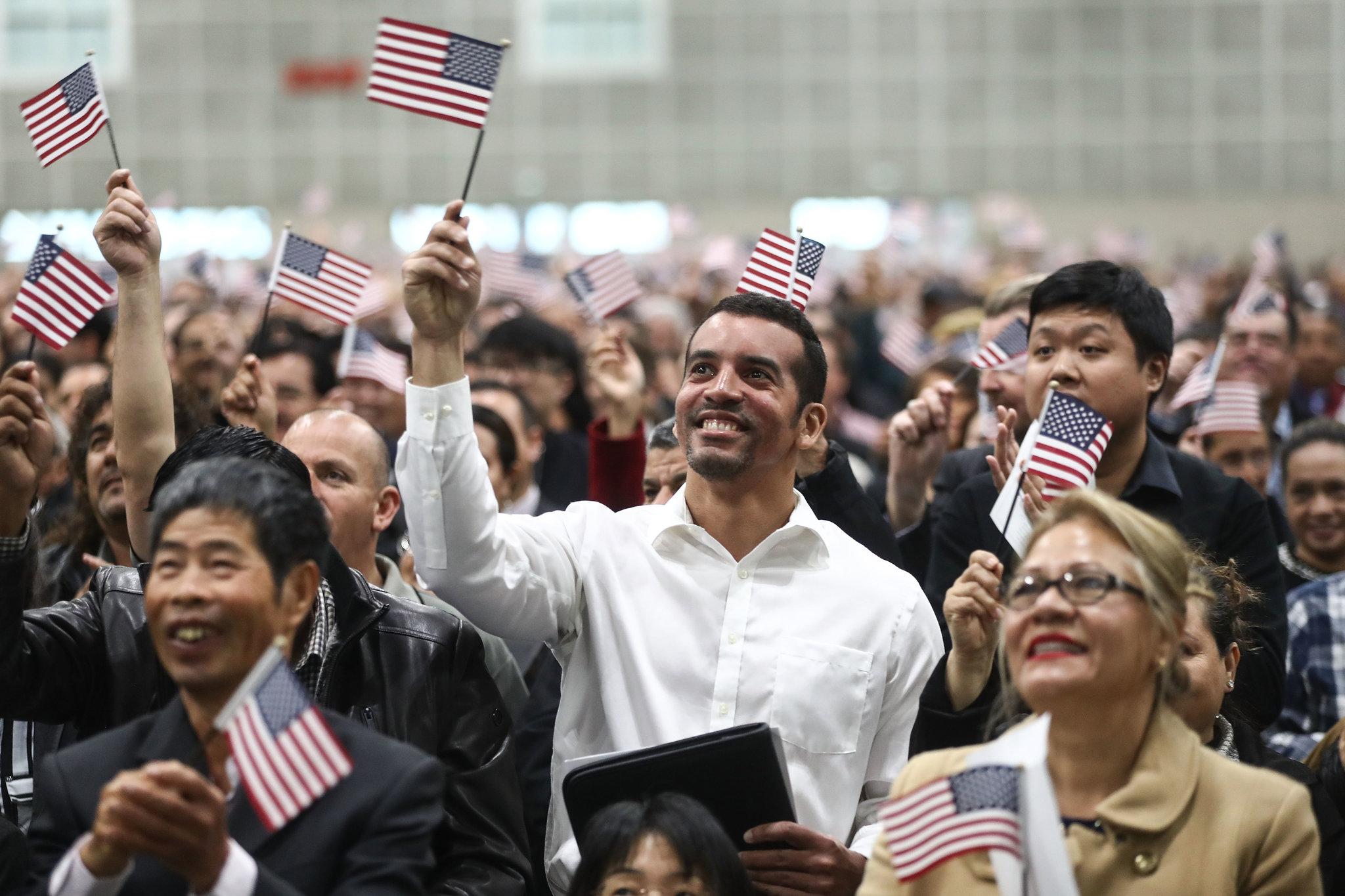 Қарапайым америкалықтар саясатқа қаншалықты араласады? - на politic.bugin.kz
