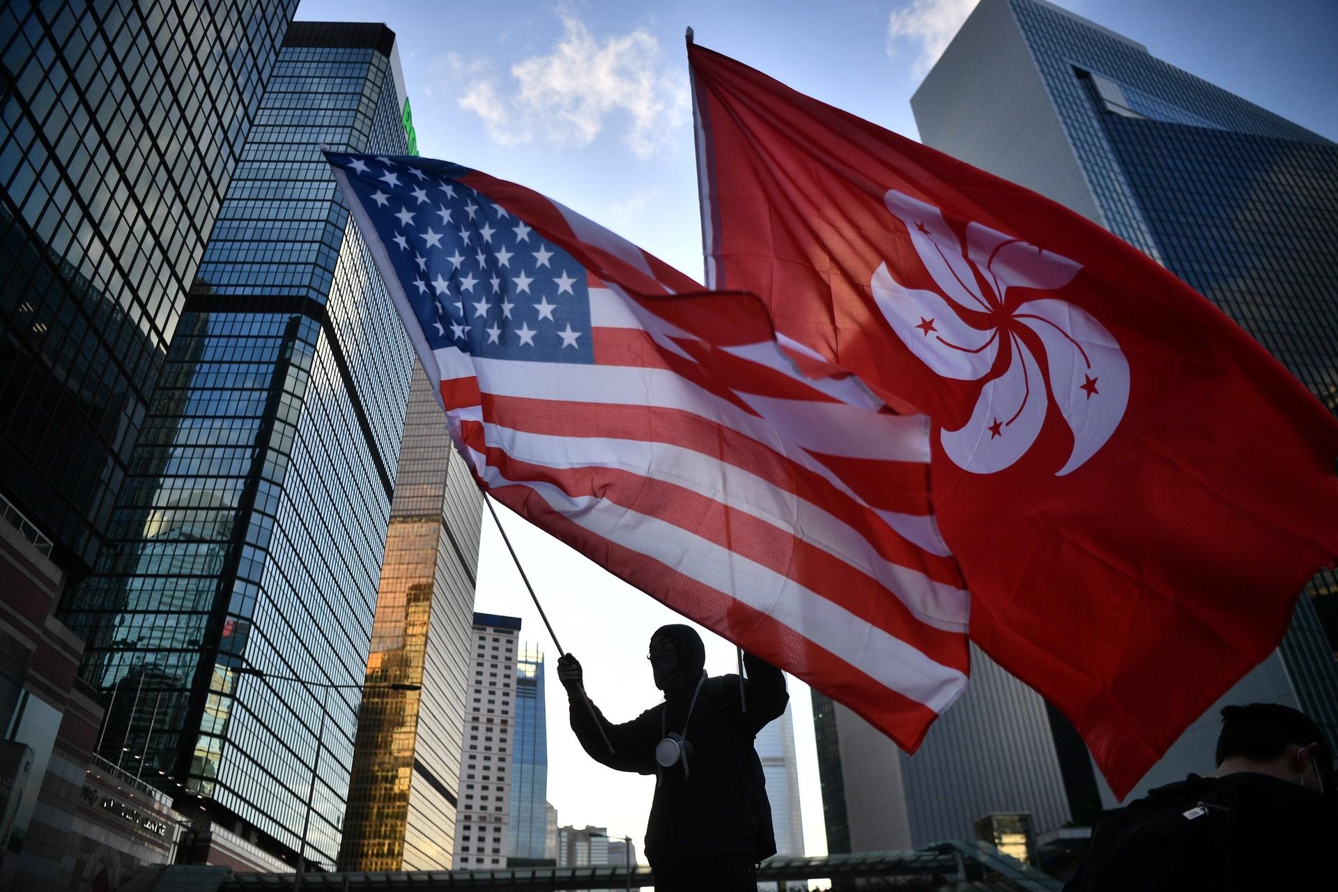 Гонконг үкіметі АҚШ заңына қарсы - на politic.bugin.kz