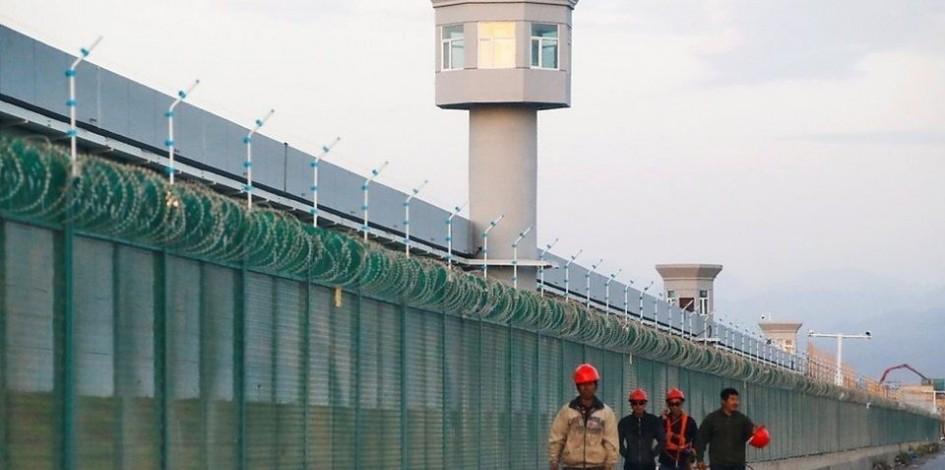 Қытайдағы сұмдық: ата-анасы лагерьге қамалған 5 жастағы бала өзенге құлап, мұз болып қатып қалған - на politic.bugin.kz