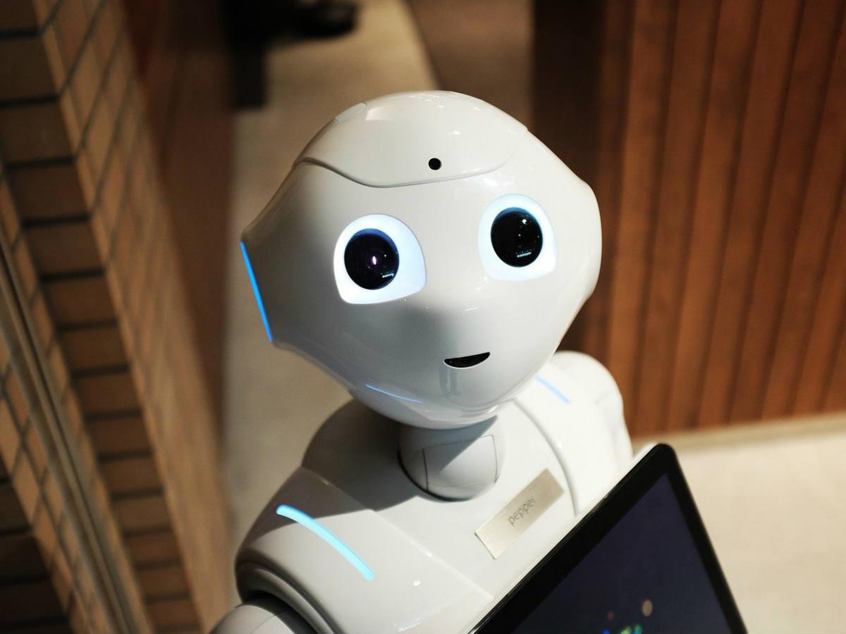 Ухань қаласында 30-дан астам робот коронавируспен күресуге көмектесуде - на tech.bugin.kz