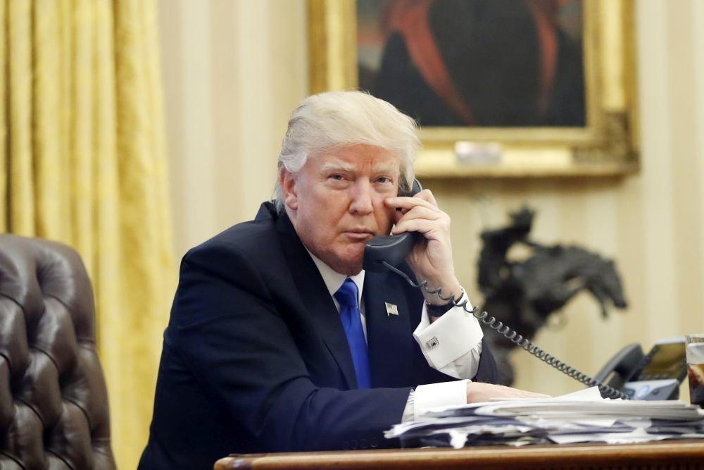 Трамп телефонмен сөйлескен әңгімелерін құпияда ұстамақ - на politic.bugin.kz