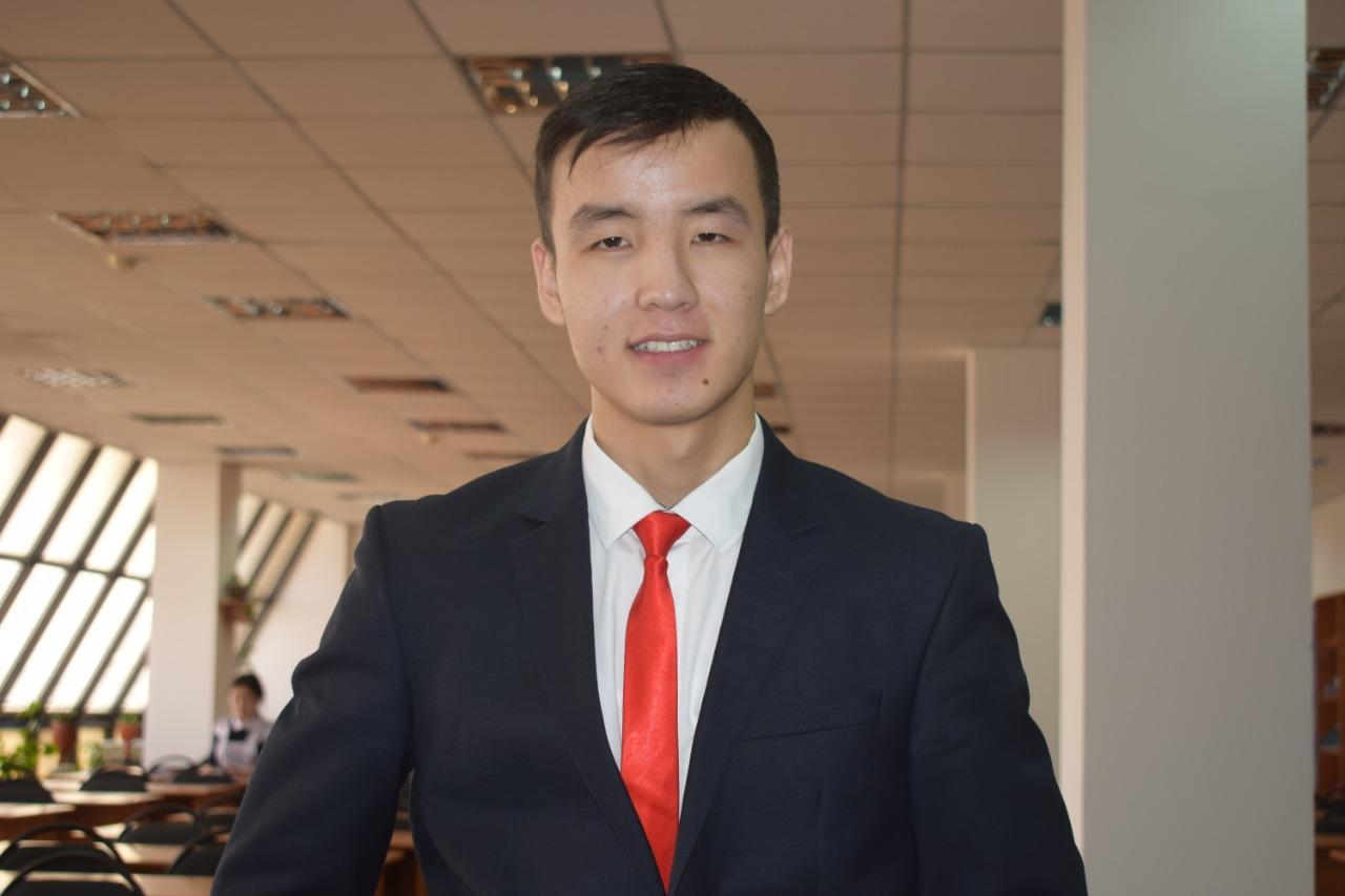 Есенбай Ізбасаров - на health.bugin.kz